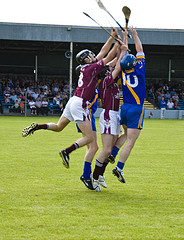 hurling-traditional-irish-sports